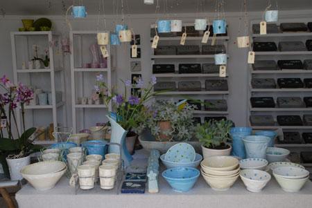 Se de smukke krukker, skåle,  vaser og meget mere